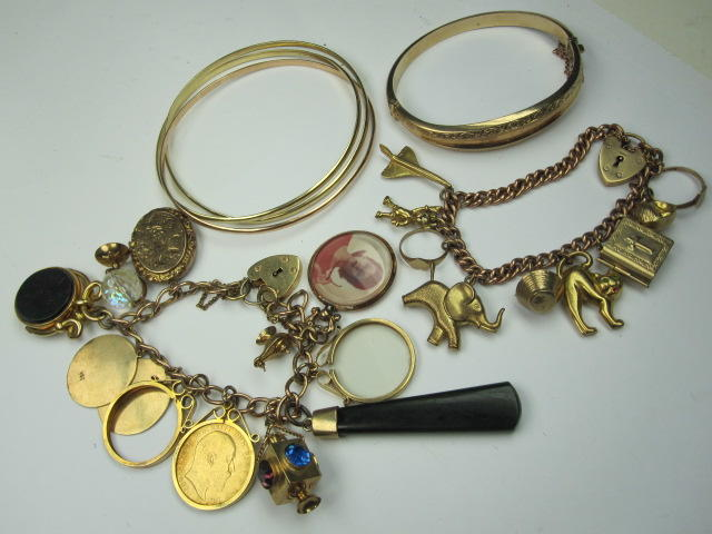 A collection of precious yellow metal jewellery
