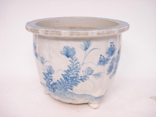 A blue and white jardinière Circa 1900