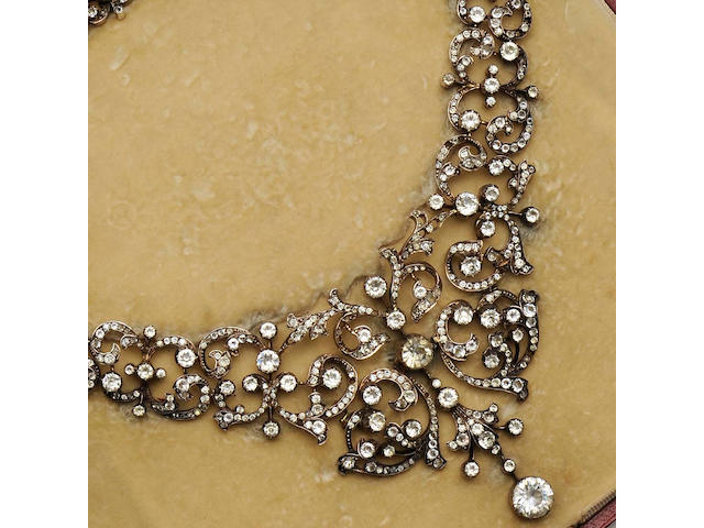 A late 19th century paste necklace