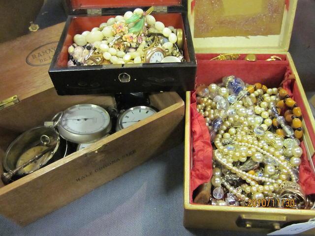 A 9 carat gold lady's bracelet watch, (Qty)