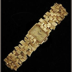 Hamilton: An 18ct gold lady's wristwatch