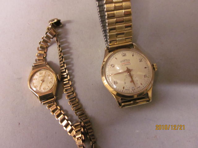 Roamer: A gents 9carat gold bracelet watch,  (2)