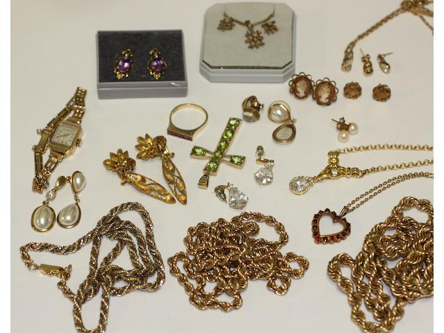 A collection of assorted gold and costume jewellery,