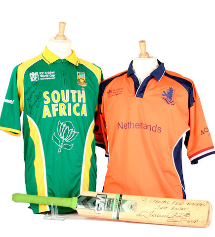 2007 Herschelle Gibbs 6 'Sixes' bat and shirts