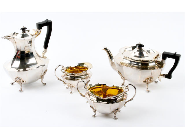 An Edward VII silver four piece tea service Sibray, Hall & Co, London, 1905,