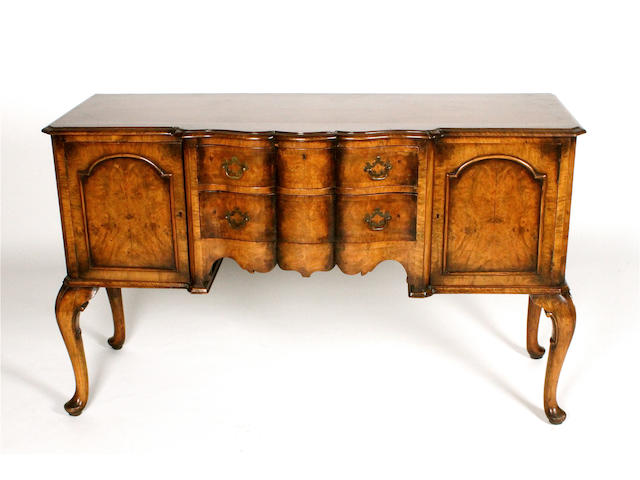 A good 1930s, Queen Anne style, figured walnut sideboard