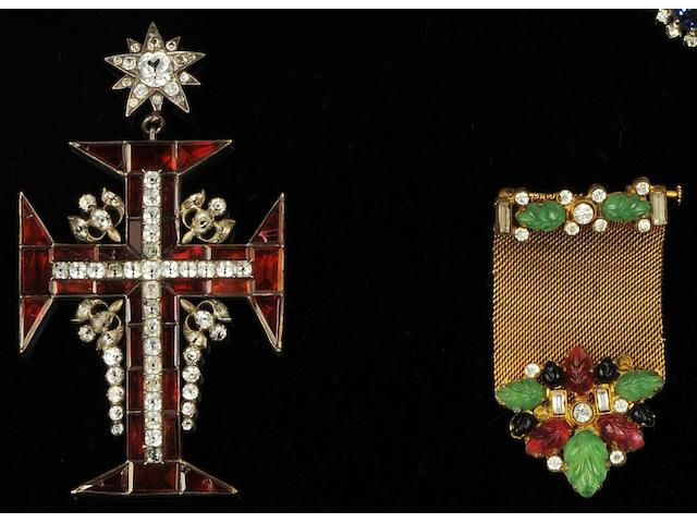 A 19th century garnet and white paste cross pendant (4)