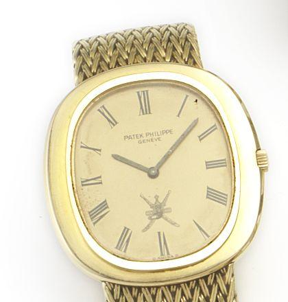 Patek Philippe. An 18ct gold automatic bracelet watch with Omani coat of arms Movement No.1283662, Case no. 527497, Circa 1970