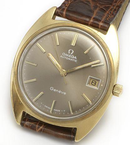 Omega. An 18ct gold automatic calendar wristwatch