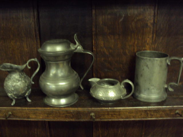 A mixed collection of pewter