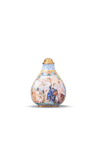 A solid gold enameled snuff bottle 1960-1974