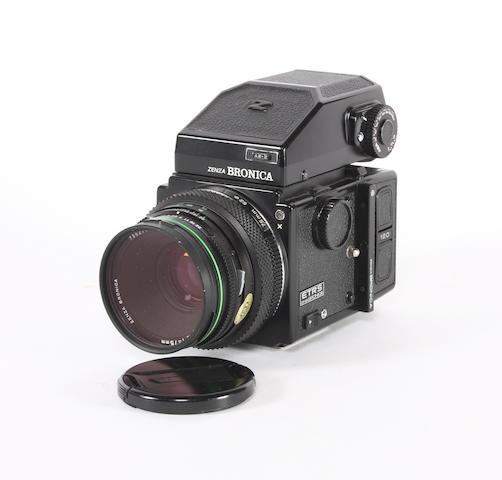 Zenza Bronica ETRS camera