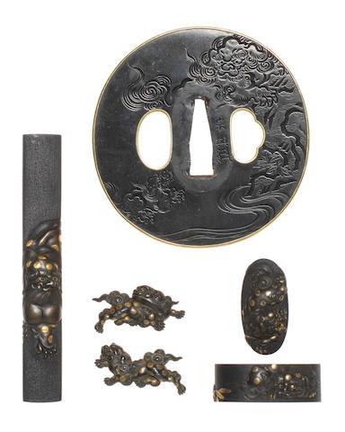 An associated set of sword fittings By Yokoya Soyo and Yanagawa Naomitsu, 18th century