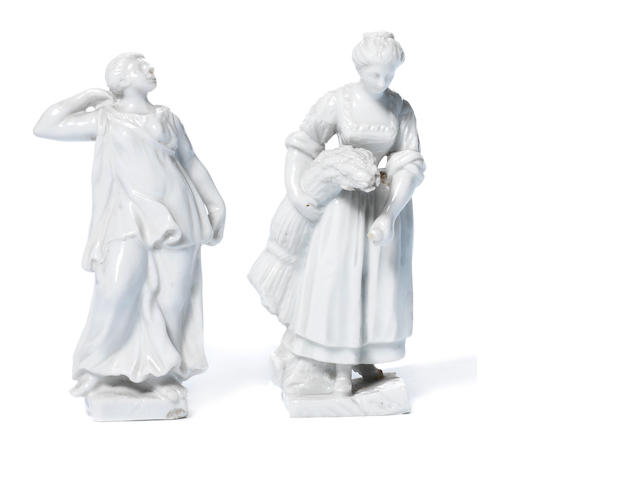 Two Doccia Figures in the white ref 218785/12
