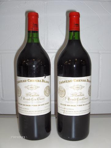 Chateau Cheval Blanc 1982 (3 magnums)