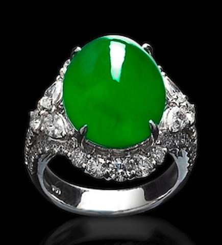 A fine jadeite and diamond ring