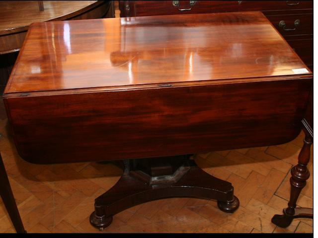 A late William IV mahogany drop-leaf breakfast table