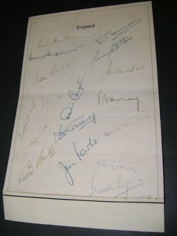 1954-55 England cricketers hand signed sheet