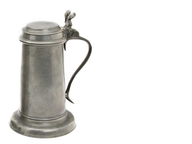 A small 17th Century Beefeater flagon, circa 1670