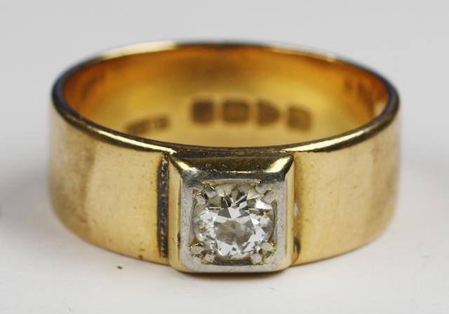 A gentleman's single stone diamond ring