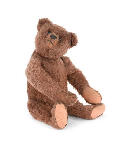Good chocolate brown Steiff Teddy Bear, circa 1909