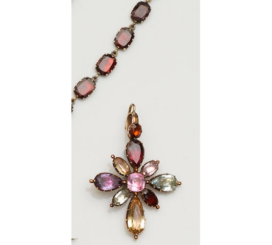 A collection of 19th century and later garnet and gem set jewellery (4)