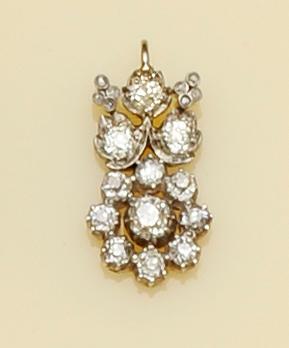 A diamond flowerhead pendant