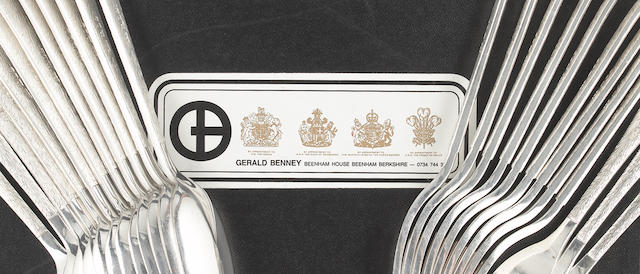 GERALD BENNEY: A silver placings for twelve table service of flatware and cutlery, London 1990,  (72)