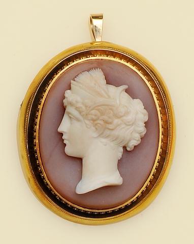 A Victorian hardstone cameo brooch