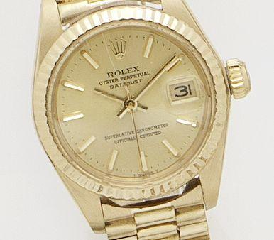 Rolex. A Lady's 18ct gold automatic calendar bracelet watch Datejust, Ref.6900, Serial No.7355759, Circa 1982