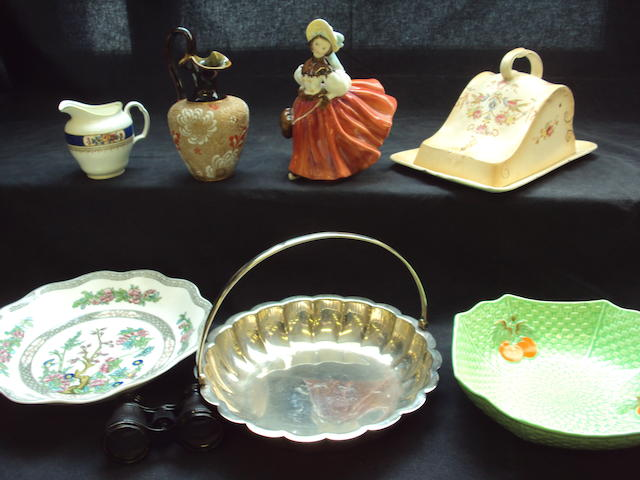 Mixed collection of ceramics