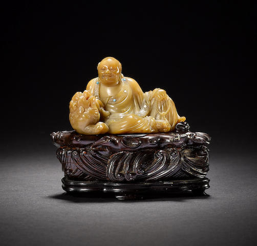A rare and finely carved soapstone figure of Pindola, by Yang Yuxuan Early Qing dynasty