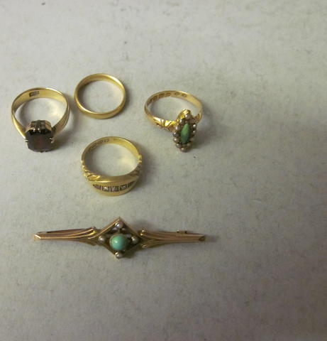 A 9 carat gold turquoise bar brooch, (5)