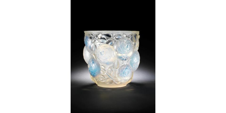 René Lalique 'Oran' a Large Opalescent Vase, design 1927