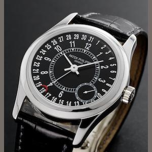 Patek Philippe. A fine 18ct white gold automatic calendar wristwatch Calatrava, Ref:6000G, Case No.4326037, Movement No.3511745, Made in 2005
