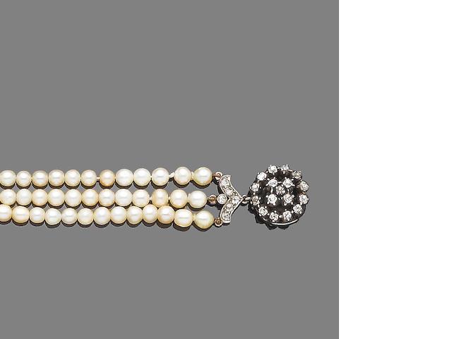 A pearl and diamond choker