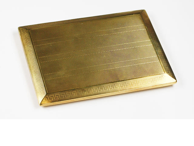 An 18ct gold cigarette case