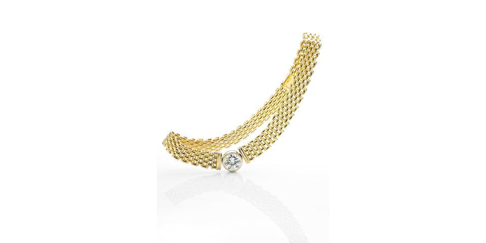 An 8.64 carat diamond collar