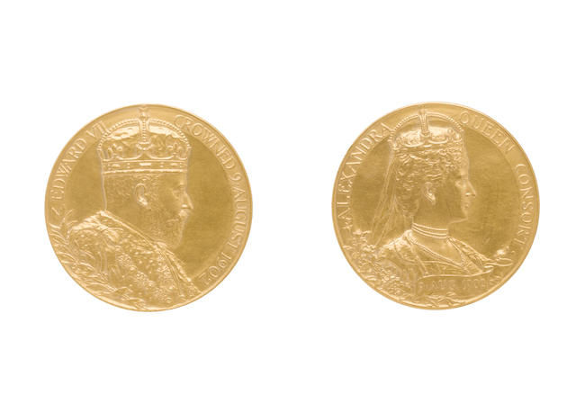 Coronation of Edward VII, Gold Medal, 56mm, 92.9g, crowned and draped bust right, EDWARD VII CROWNED 9. AUGUST 1902,