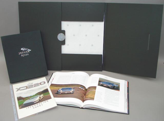 Philip Porter: Jaguar XJ220;