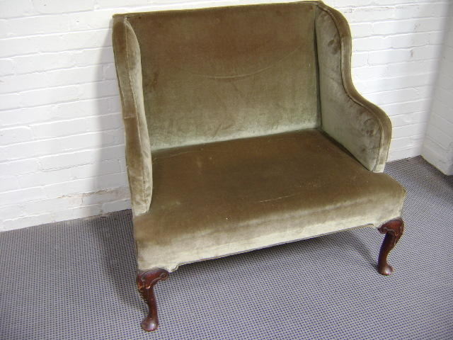 A George I style two seat settee with cabriole front legs and green velvet cover, 106cm wide