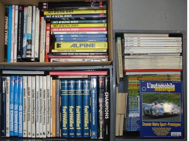 A quantity of French language motorsport reference books and annuals,