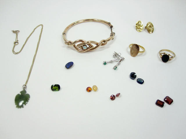 Collection including loose stones, jade pendant, earrings, rings etc