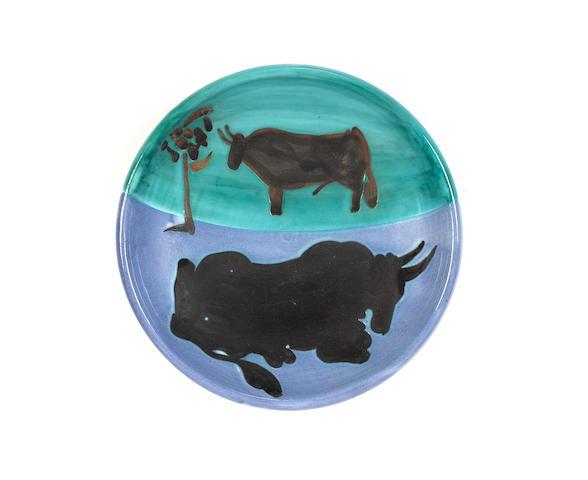 Pablo Picasso (Spanish, 1881-1973) Toros 20cm (7 7/8in) diameter