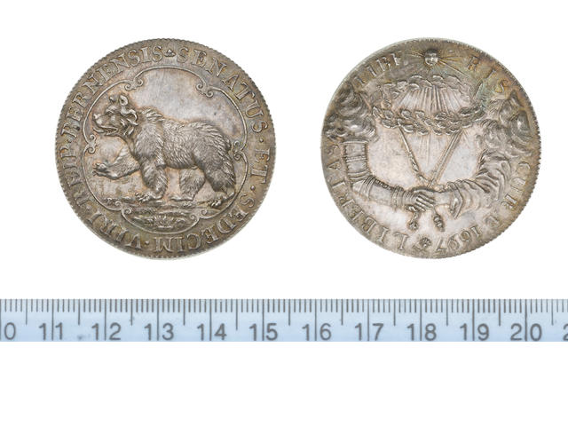 Switzerland, Bern, Silver medallion, 1697, 43mm, 28.95gm, bear passant left within a sexafoil SENATUS ET SEDECIM VIRI REIP BERNENSIS,