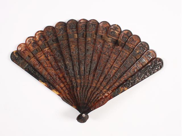 A Chinese 19th century tortoiseshell brisé fan