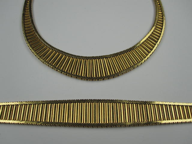 A necklace and bracelet suite, circa 1970s (2)