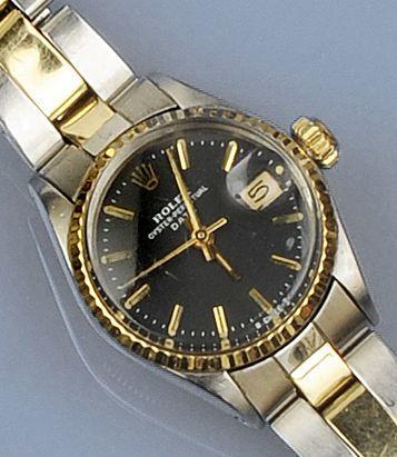 Rolex: A lady's Oyster Perpetual calendar wristwatch