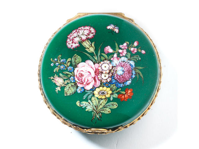 A London large round snuff box, circa 1755