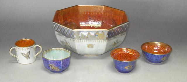 A Wedgwood lustre bowl and four similar miniature pieces.